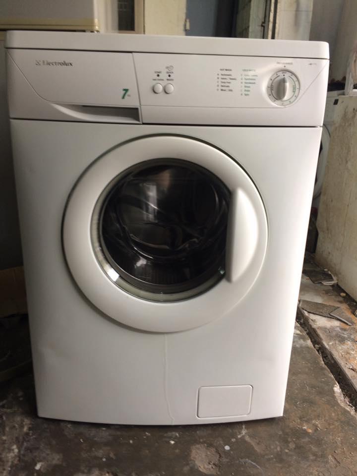 Máy giặt Electrolux EWF-771 7kg mới 95%