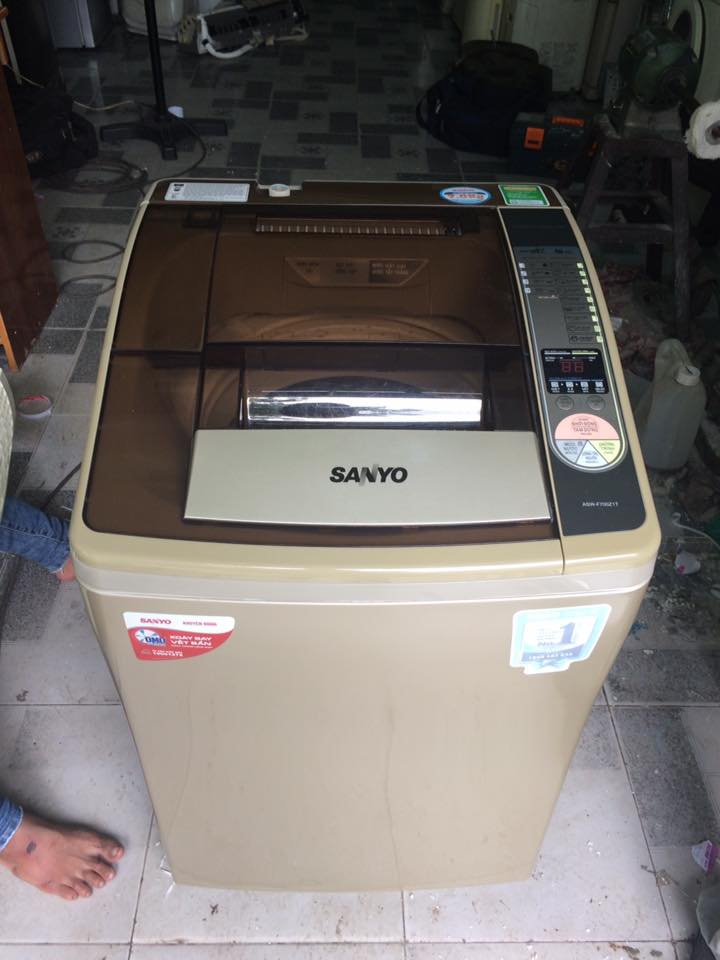 Máy giặt Sanyo Asw-F700Z1T 7kg mới 98%