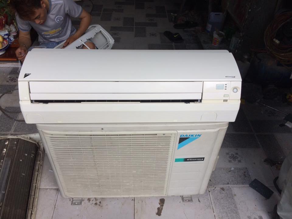 Máy lạnh Daikin FTKS25EVMA 1HP inverter gas R410 mới 95%