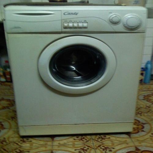 Mua máy giặt cũ quận Phú Nhuận giá cao
