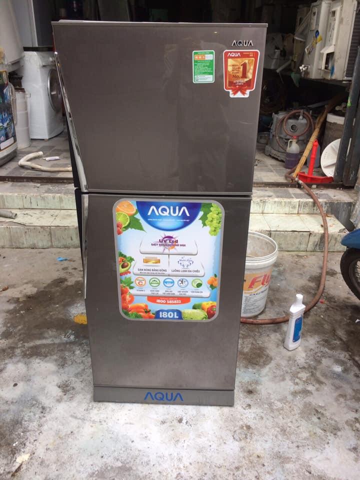 Tủ lạnh Aqua AQR-U185BN (180 lít) k đóng tuyết