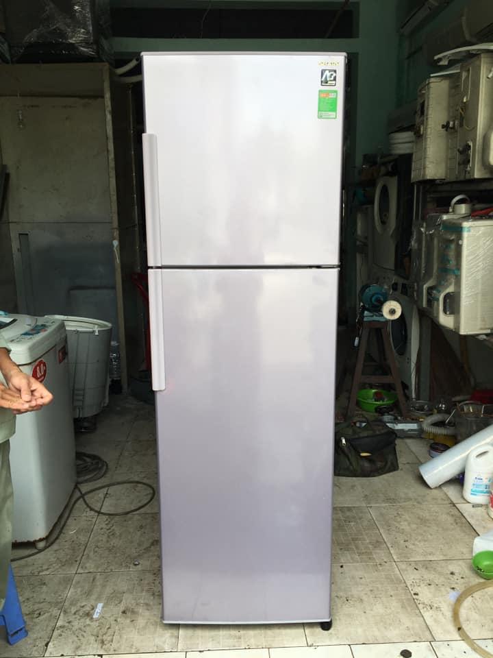Tủ lạnh Sharp (271 lít) không đóng tuyết